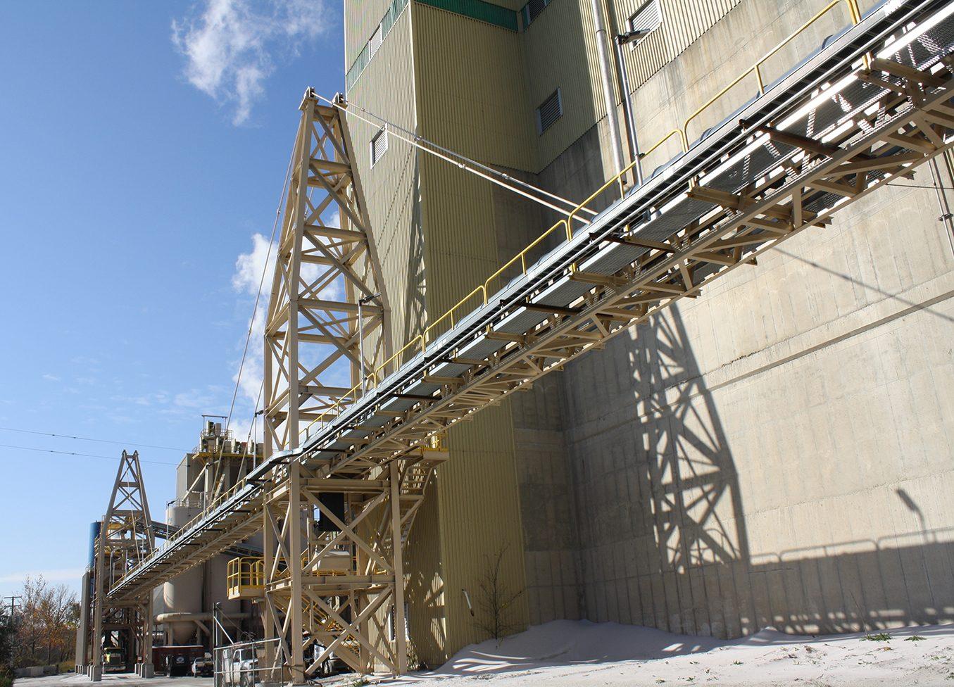 Fairmount Minerals Suspension Truss Conveyor